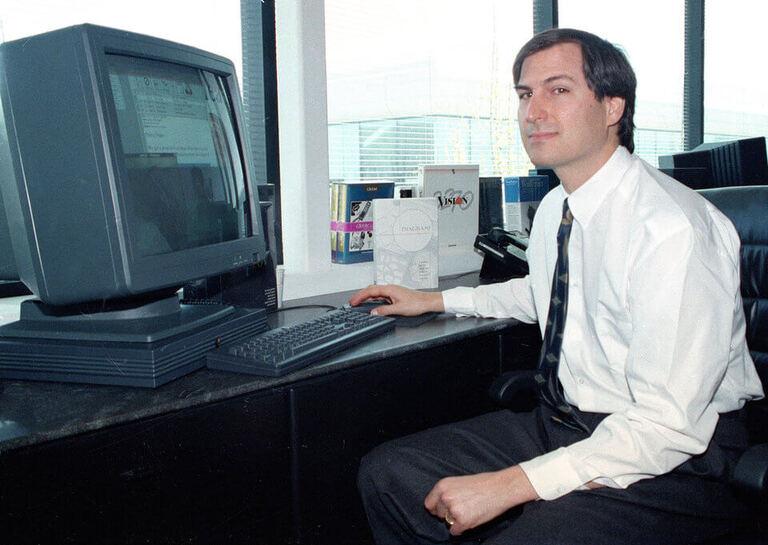 цветной компьютер NeXTstation (1)