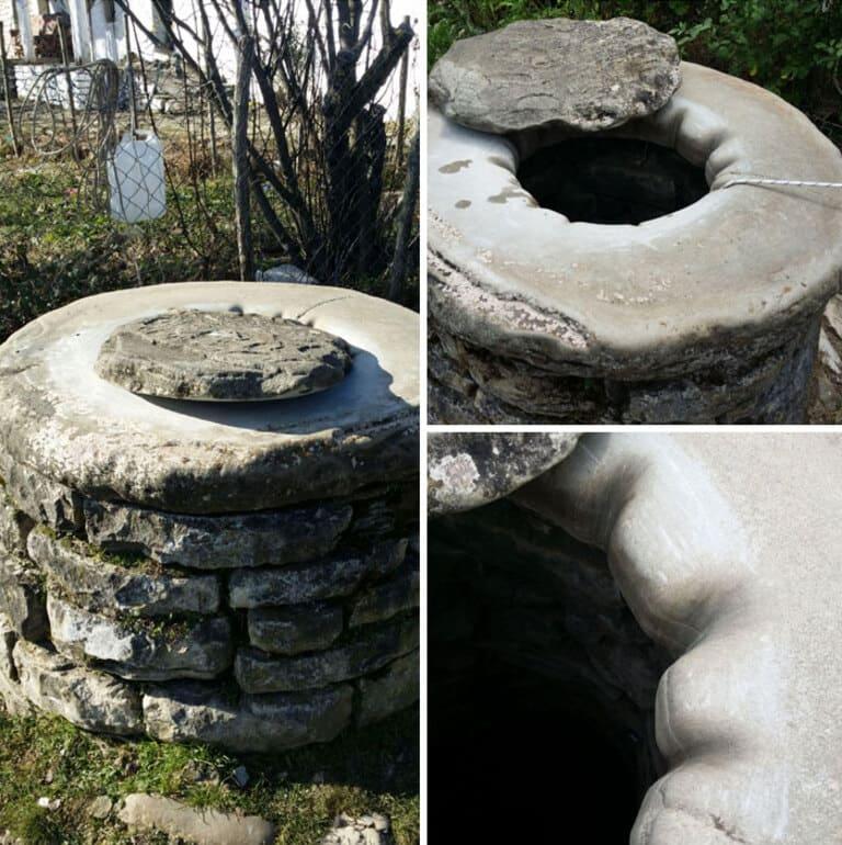 Бороздки от веревки на старом колодце