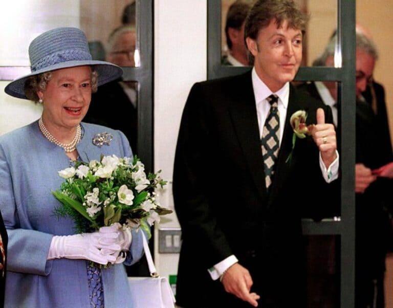 Королева с Полом Маккартни