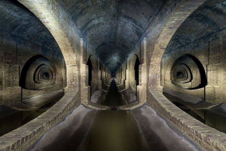Старый подземный резервуар