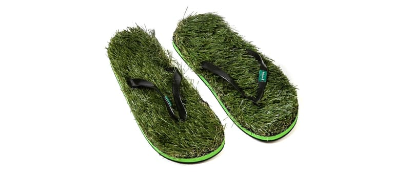 Травяные шлепанцы