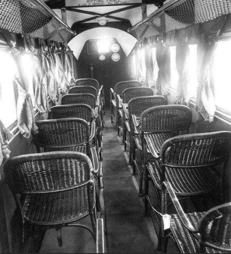 интерьер пассажирского самолета